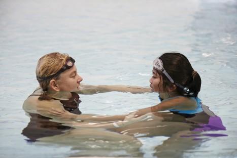 4500 6:e klassare inte kan simma – Gilla Vatten gör barn trygga i vatten